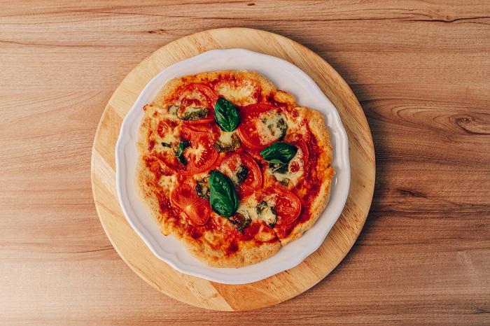 Pizza bez lepku nadýchaná a chrumkavá zároveň vďaka použitiu kvásku