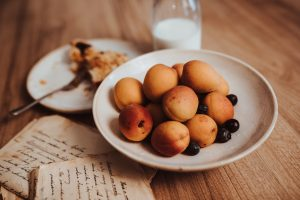 Chuť od Naty oprášila starý recept na koláč s ovocím bez vajec