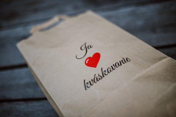 papierová taška s logom