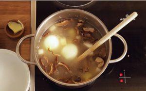 Naty vám varí sýtu polievku