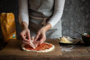 recept na jednoduchú kváskovú pizzu nájdete u Naty