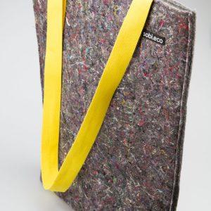 Taska z recyklovných materiálov