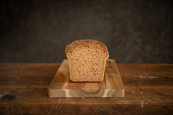 zdravé pečenie a chutný celozrnný grahamový chlieb z kvásku od Naty