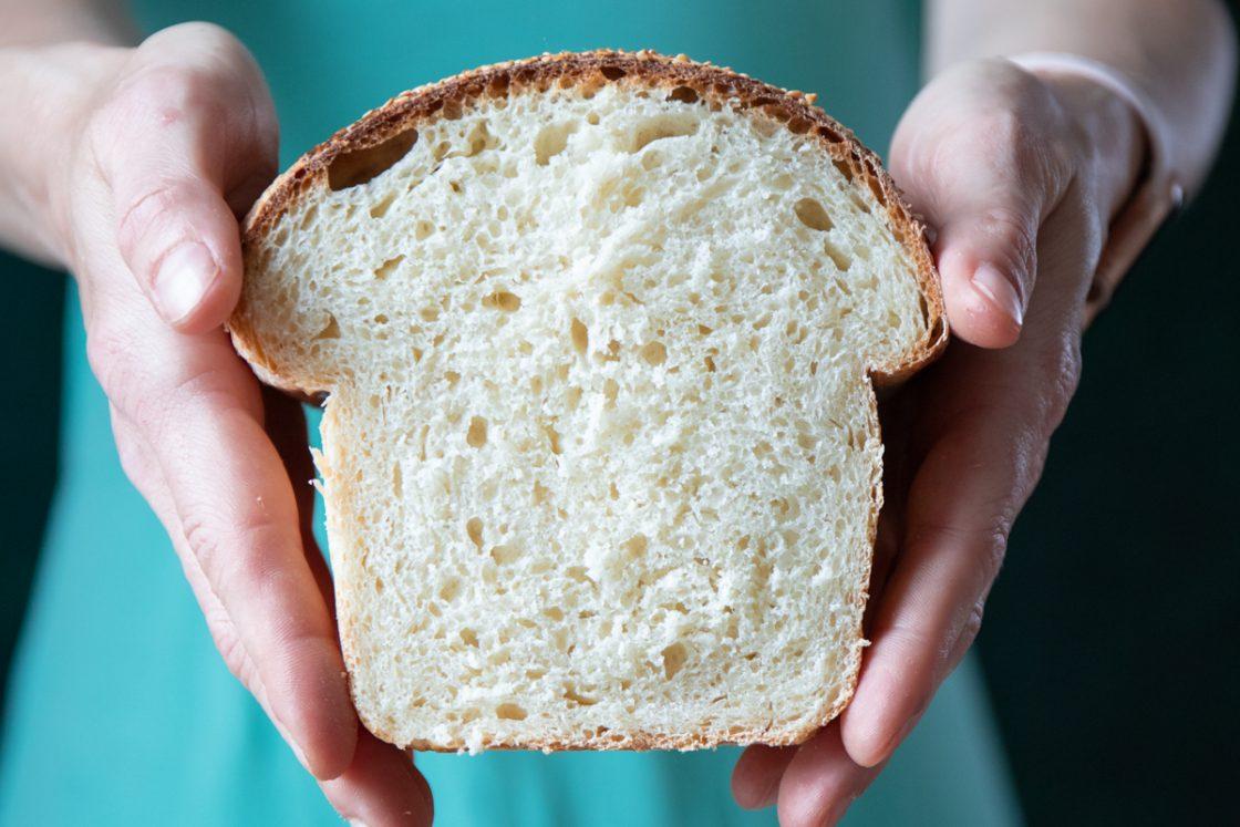 jednoduchý recept na nadýchaný toastový chlieb od Naty